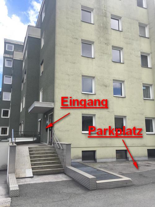 Eingang Parkplatz 1
